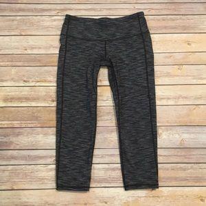 Athleta Pants - Athleta Chaturanga Knicker Crop Leggings, Size XS